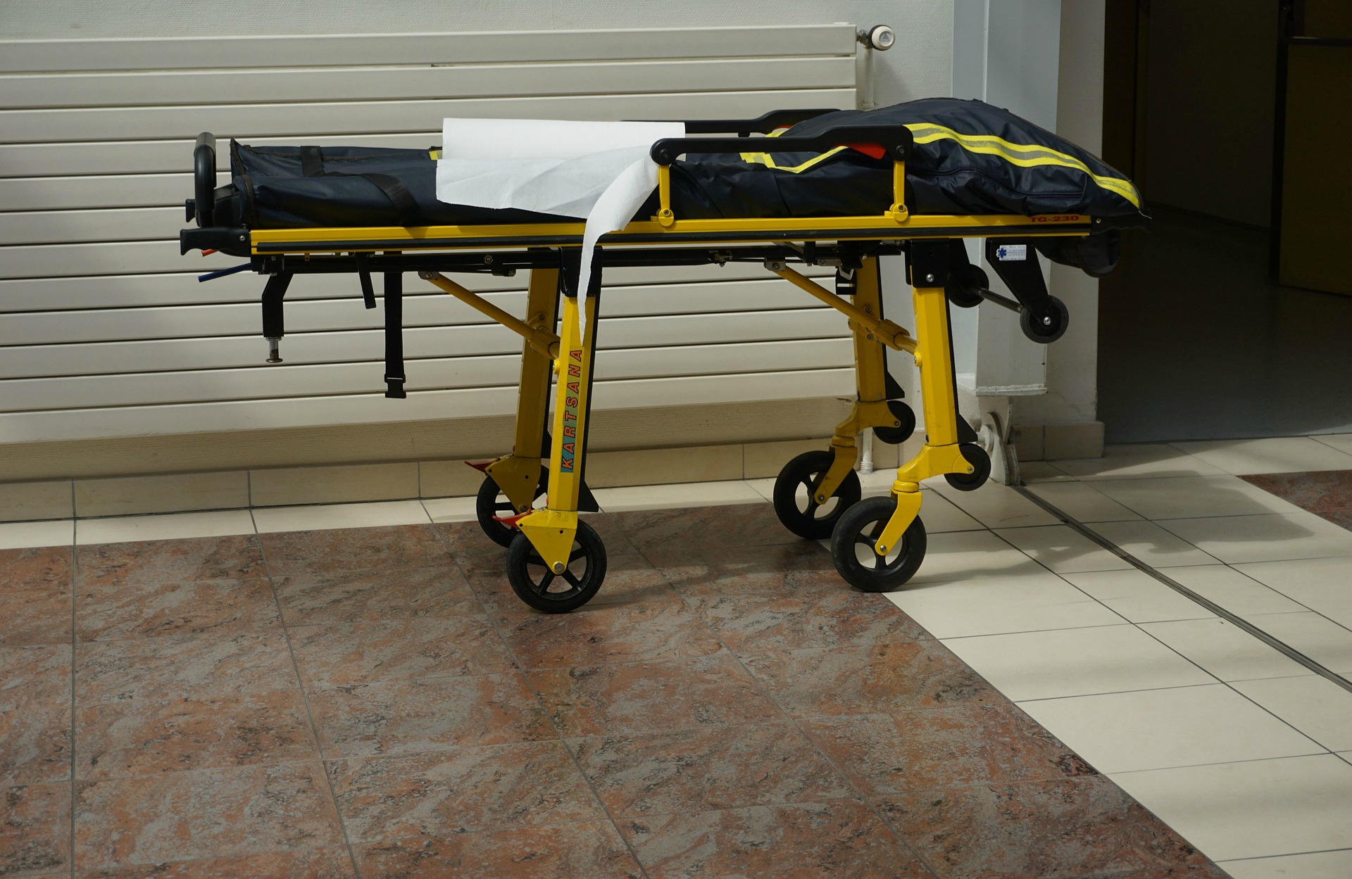 stretcher-1685611_1920