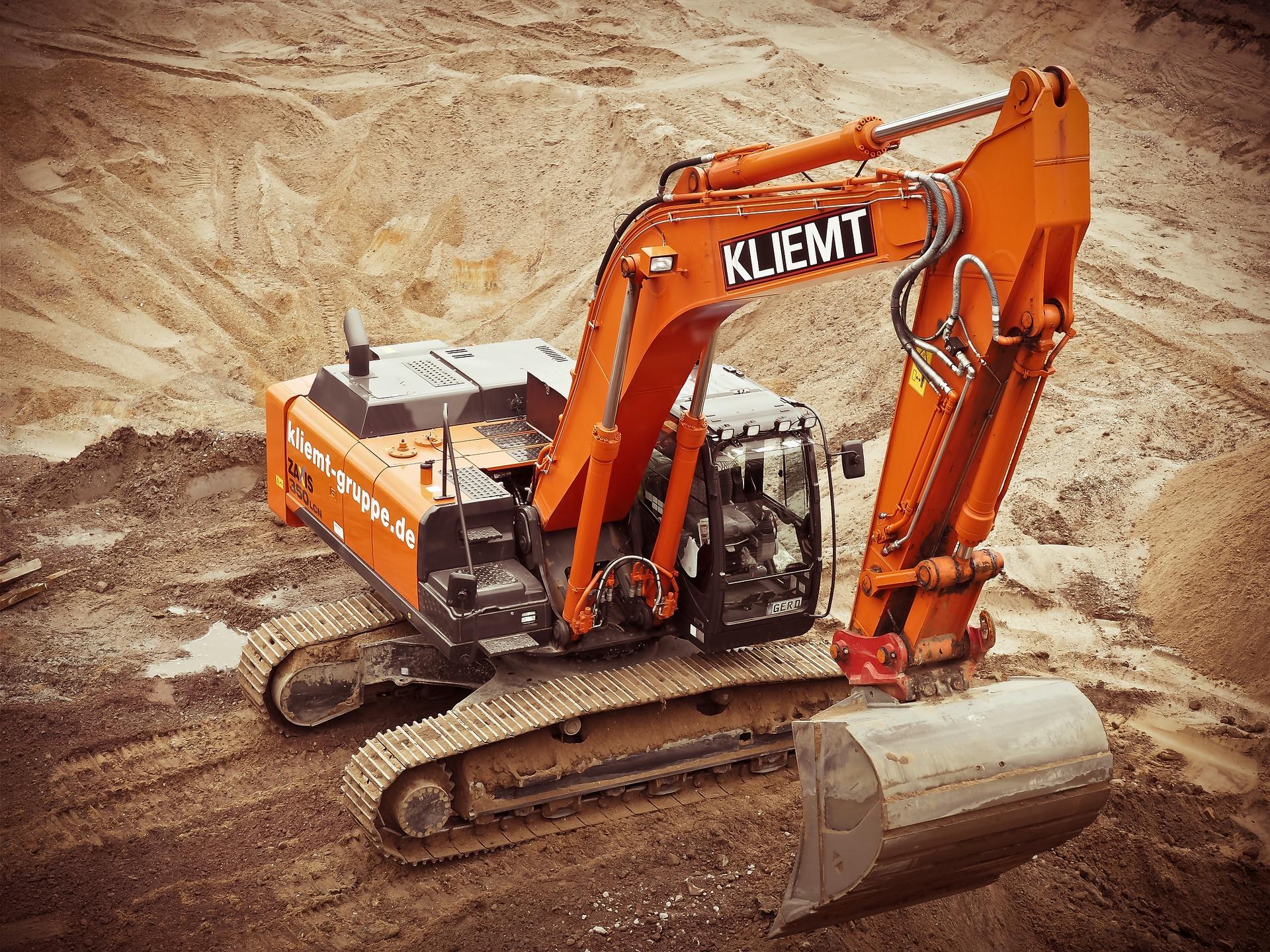 excavators-1174428_1920
